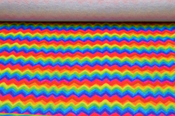 Wintersweat Sweatstoff mit Regenbogen-Zicken-Zack